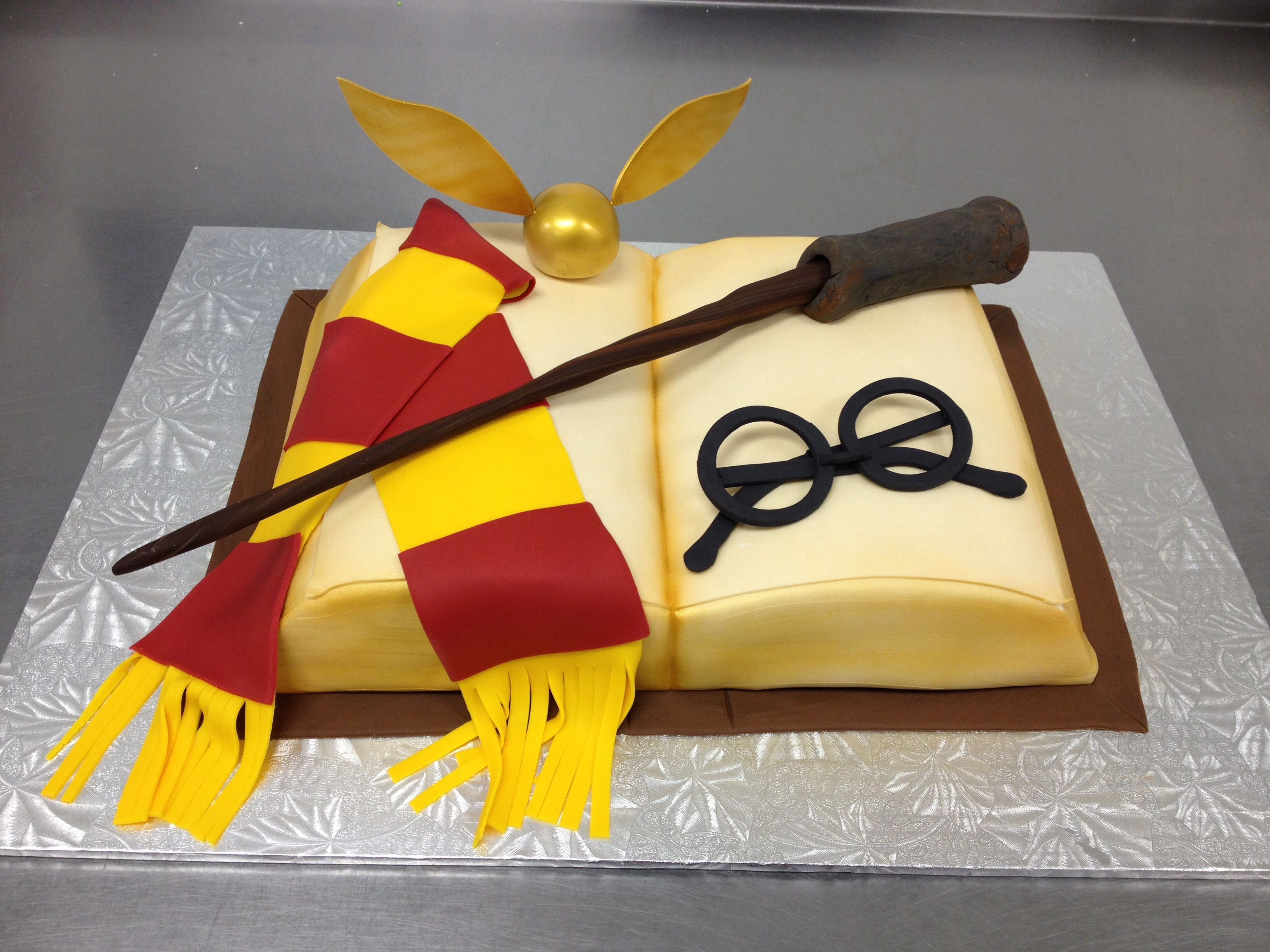 harry potter cake this is perfect angry birds pinterest essen. Black Bedroom Furniture Sets. Home Design Ideas