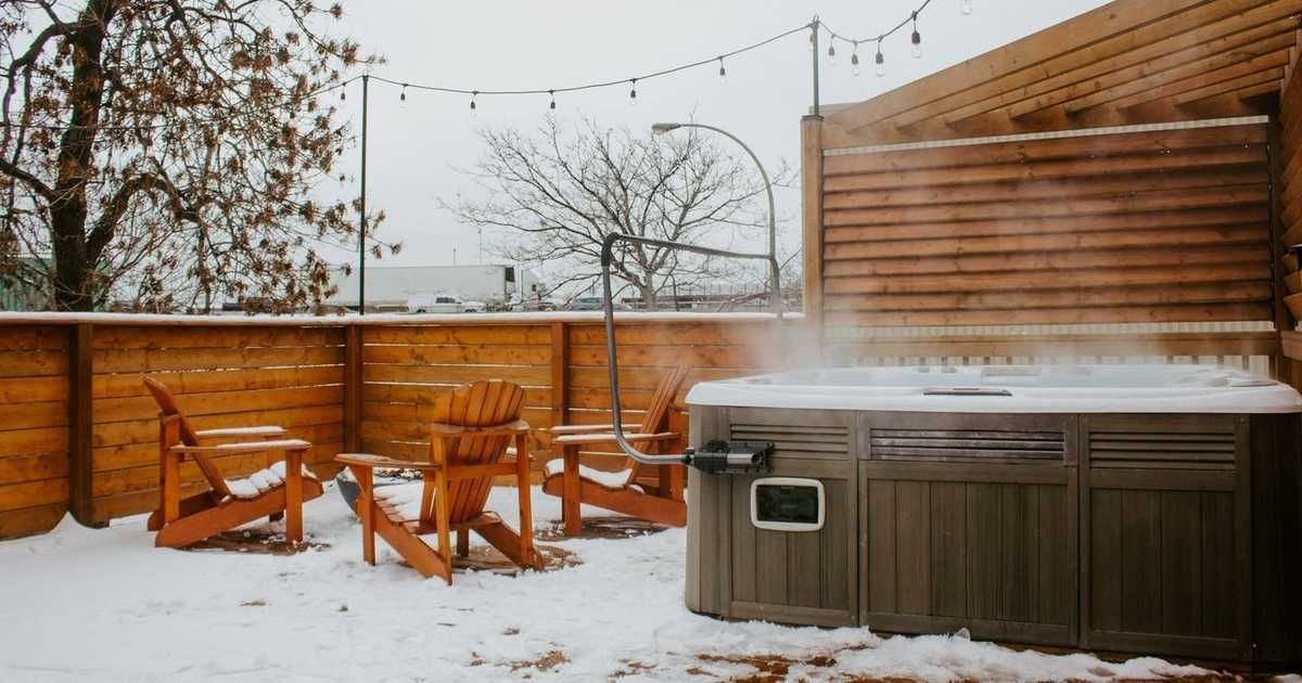 7 Cheap Quebec Airbnbs With Hot Tubs Or Saunas For Your Own Private Winter Spa Oasis Spa Oasis Hot Tub Beautiful Apartments