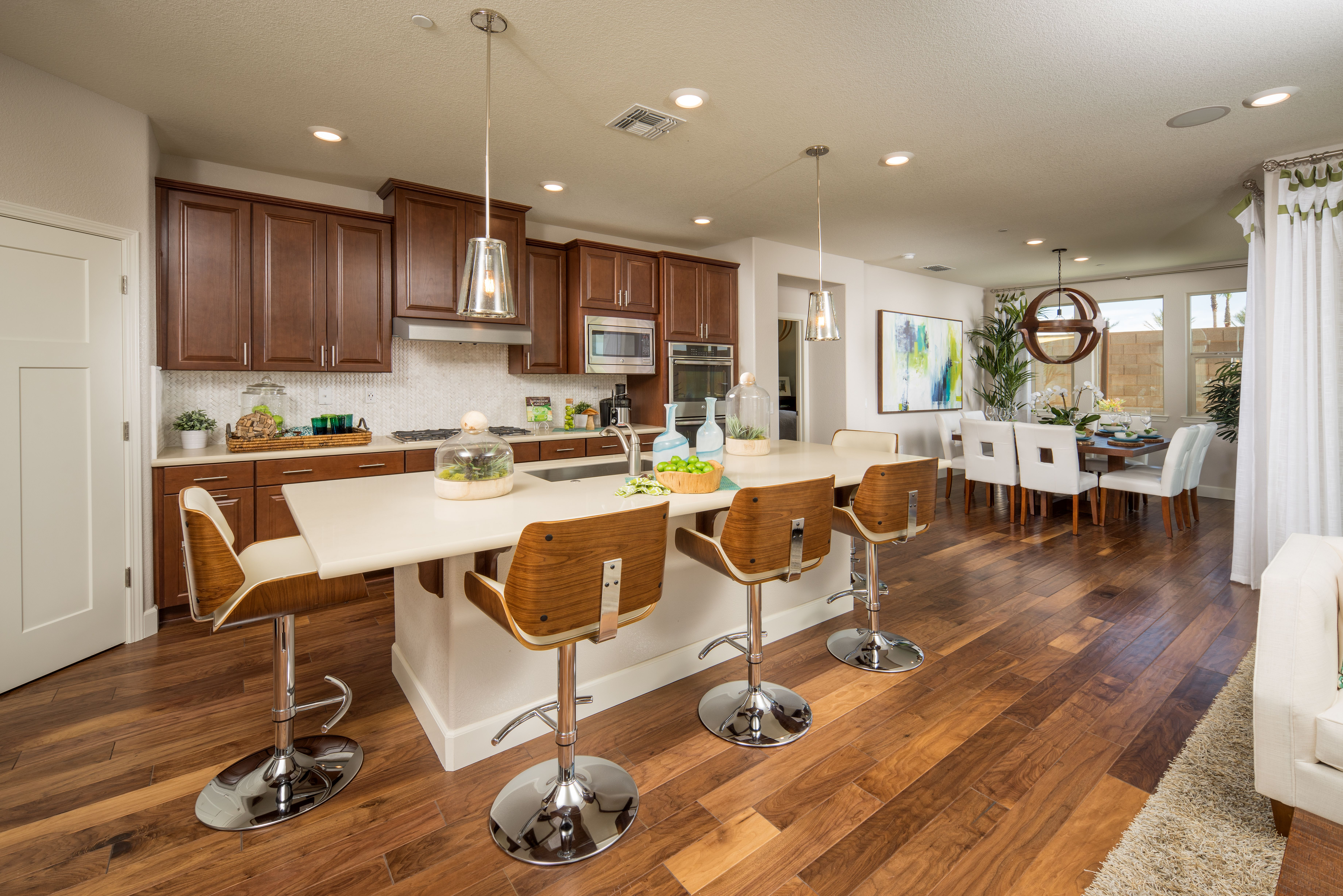 How Would You Rate A Kitchen This Style Model Home Now Selling House Interior Home Dream House