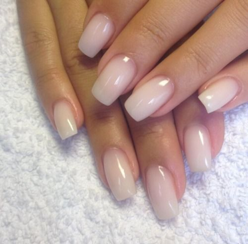 Round Acrylic Nails Art Designs Pretty Nude Clear Glossy Nails
