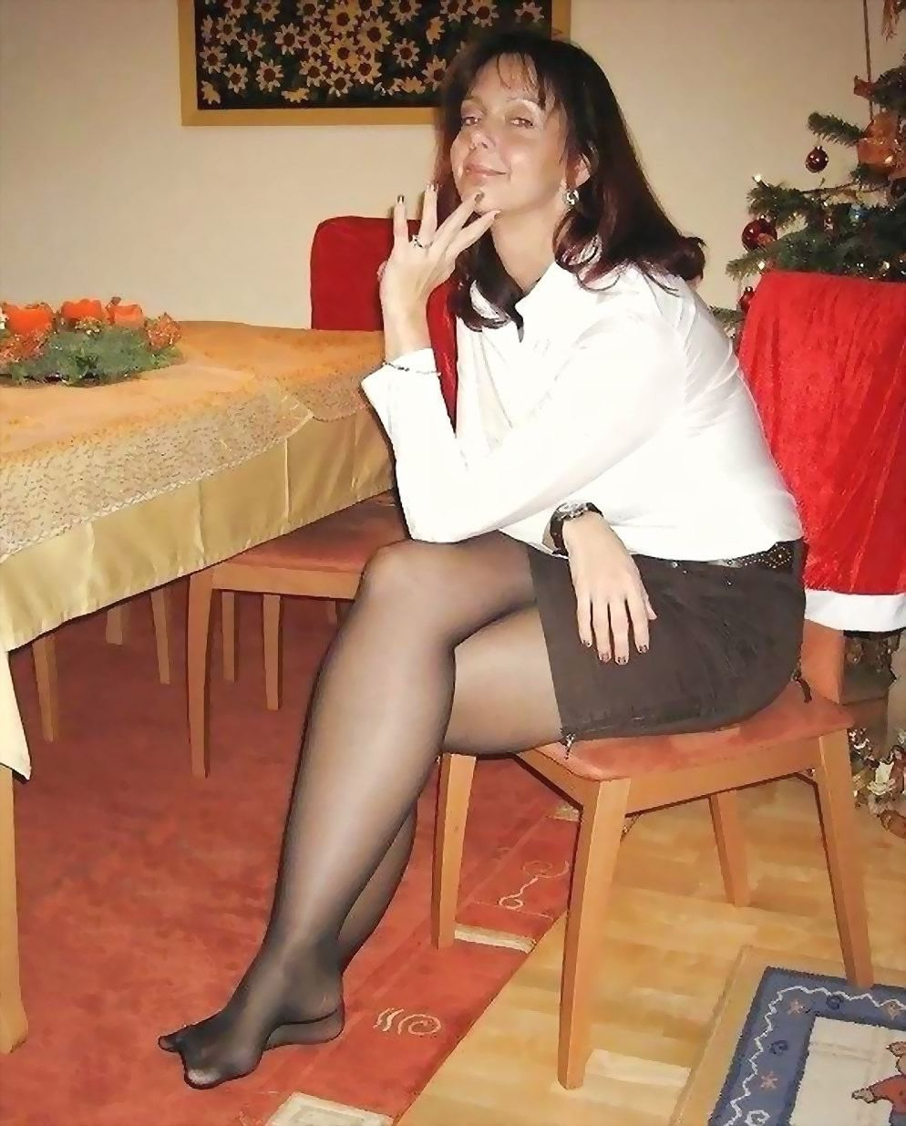 Mature black pantyhose nylon legs