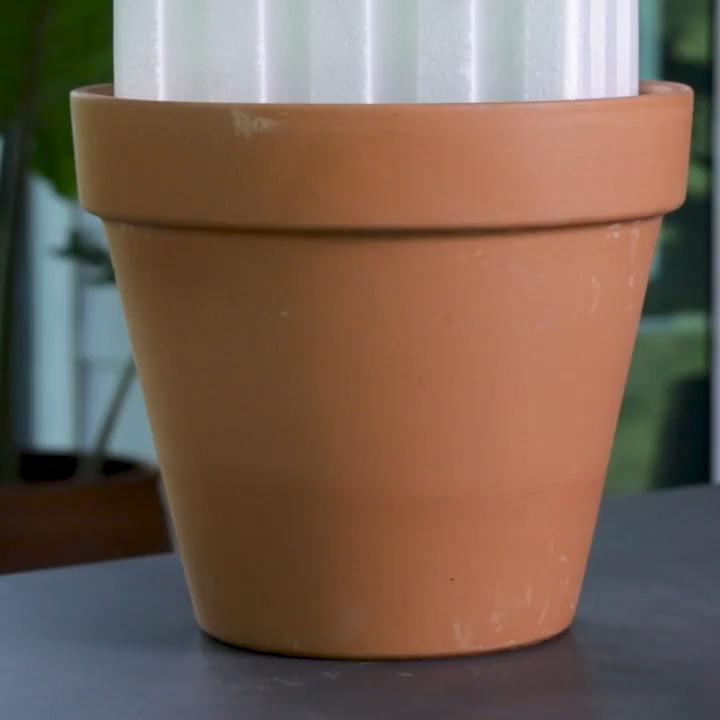 Photo of Make An Adorable Fairy Garden Out Of A Broken Pot