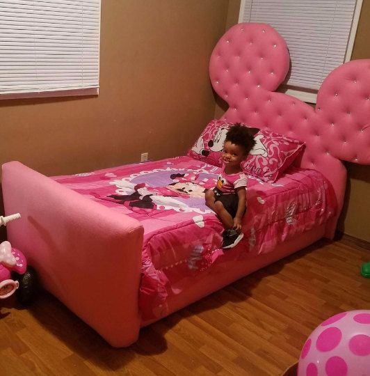 Best Pink Diamond Tufted Minnie Ear Full Bed By Etiffanybeds On 400 x 300
