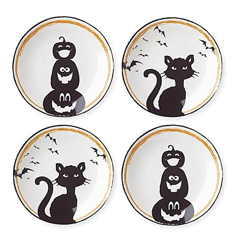 Add a playfully scary touch to your Halloween celebrations with Halloween Pumpkin and Cat Party Plates from Lenox. Crafted in porcelain, this charming pair comes tied together with a black ribbon and makes a perfect gift.