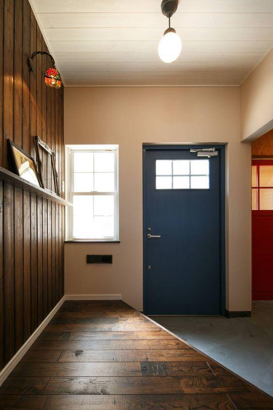 カラフルなドアで空間を彩る ホームウェア ハウス 新しい家
