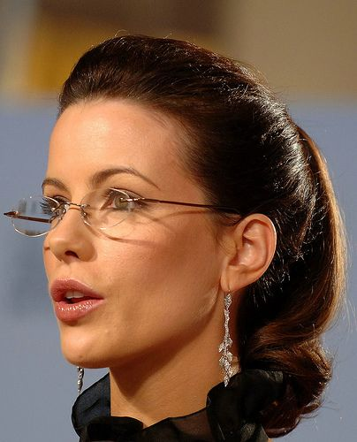 1a095d5cb313 Kate Beckinsale   imádom   Pinterest   Kate beckinsale, Eyeglasses ...