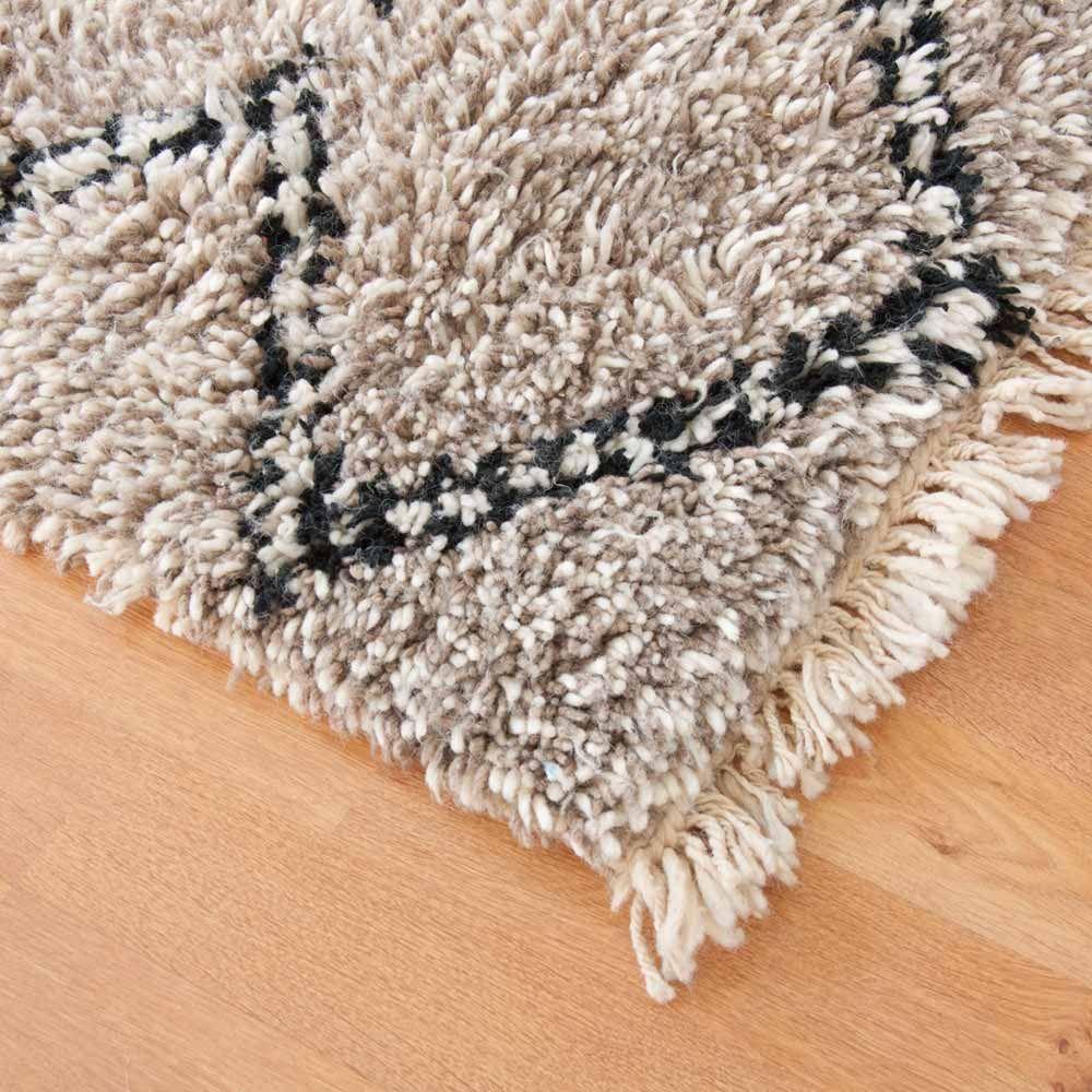Berber Teppich Namik Beni Ouarain Bei Www Milanari Com Teppich Marokkanischer Teppich Berber Teppich