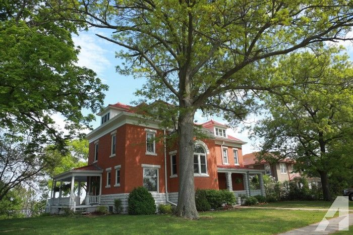 Restored Historic Mansion Near Nauvoo Il With Panoramic Mississippi River Views Historic Mansion Historic Homes For Sale Historic Home