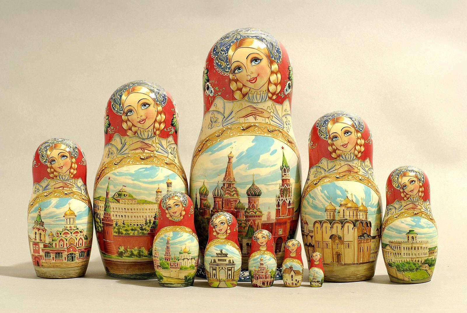 """10 Piece """"Vyatskaya Matryoshka"""" number 63162"""