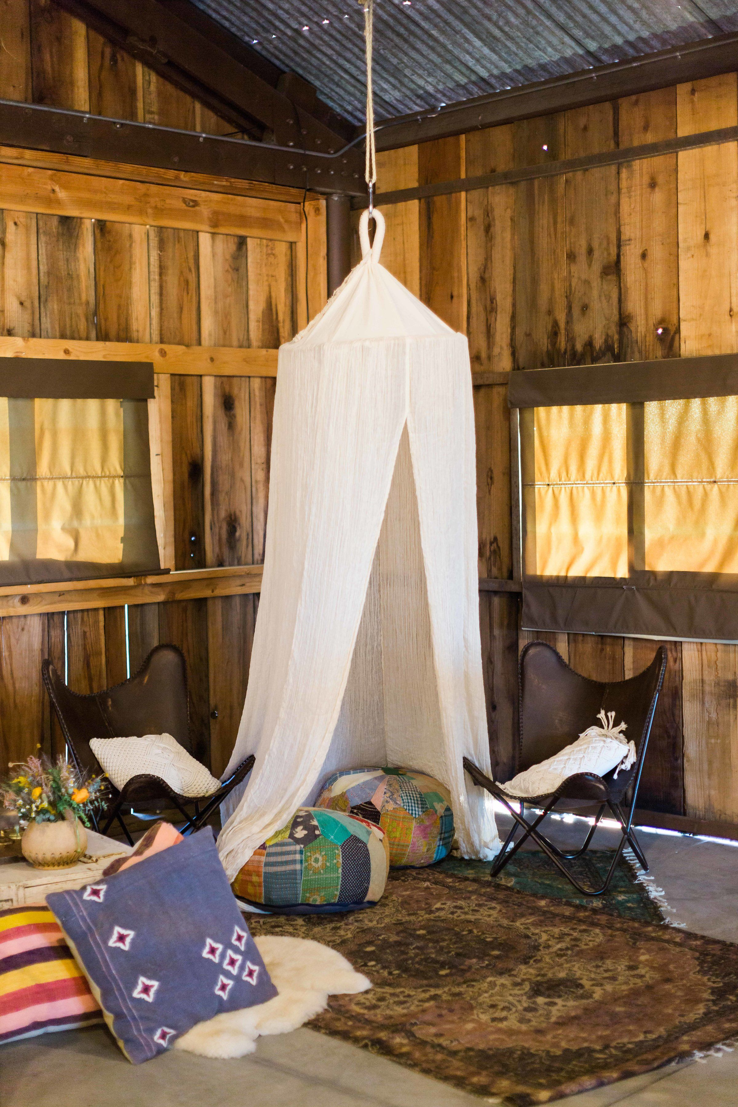 Boho inspired wedding lounge. #bohowedding #weddinglounge ...