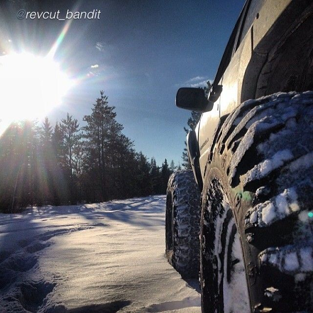 "This view by @revcut_bandit ""Sunny and cold #jeep #jeeping #jeepbeef #jeeplife #grand #cherokee #irocks #halftonzj #snowboggin #snowwheeling #sun #sundaydrive"" #Padgram"