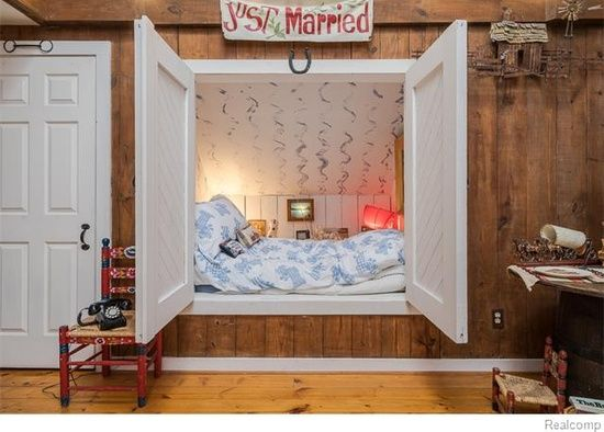 Pin By Llh On Decorating Bedroom Ideas Bedroom Decor Bloomfield Hills Home Decor