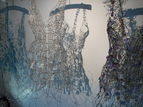 i-dont-wear-dresses:    dresses made of glass  by Diana Dias-Leao  started making glass dresses when she was sixty