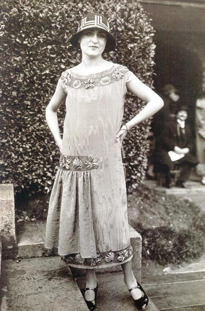 Beautiful 1920s warm weather style fashion