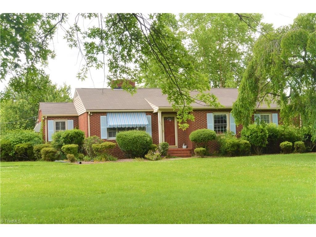 homes for sale with guest house in greensboro nc