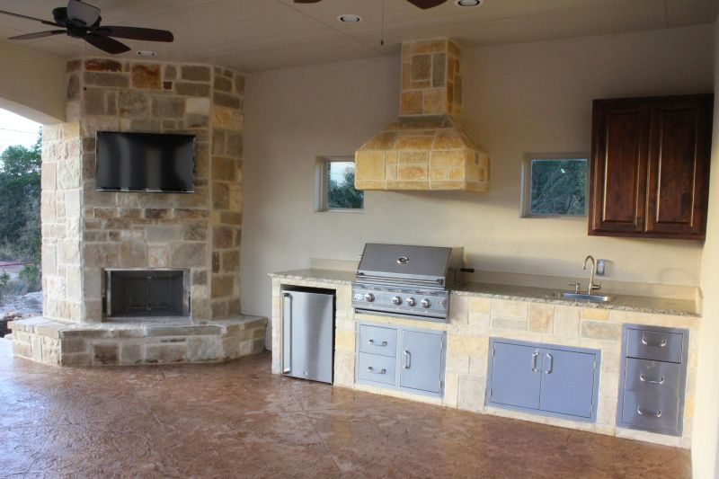 Outdoor Kitchen Fireplace And Tv Kitchen Fireplace Kitchen Remodel Outdoor Kitchen