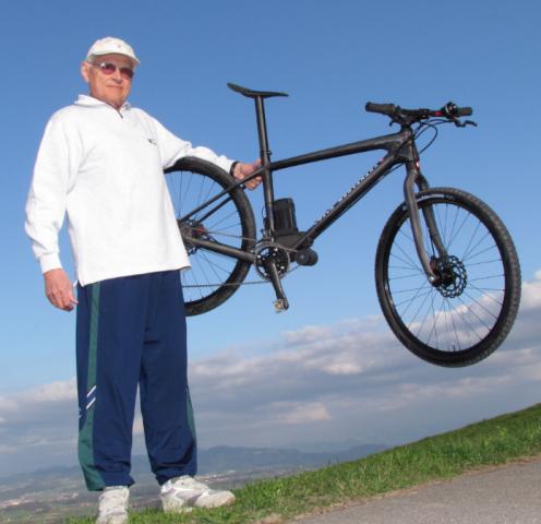 Der Ehemalige Elektroingenieur Und Rentner Jean Pierre