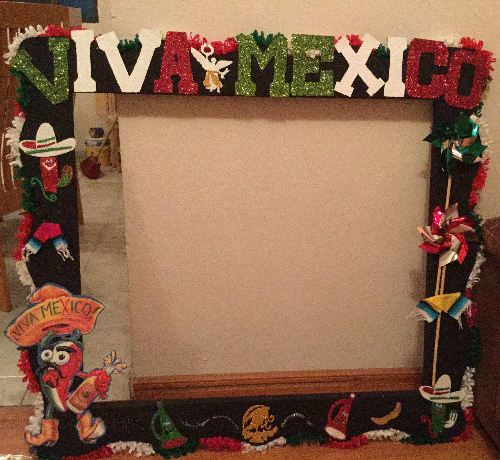 Photobooth fiestaspatrias tricolor marco mexican for Decoracion kermes mexicana