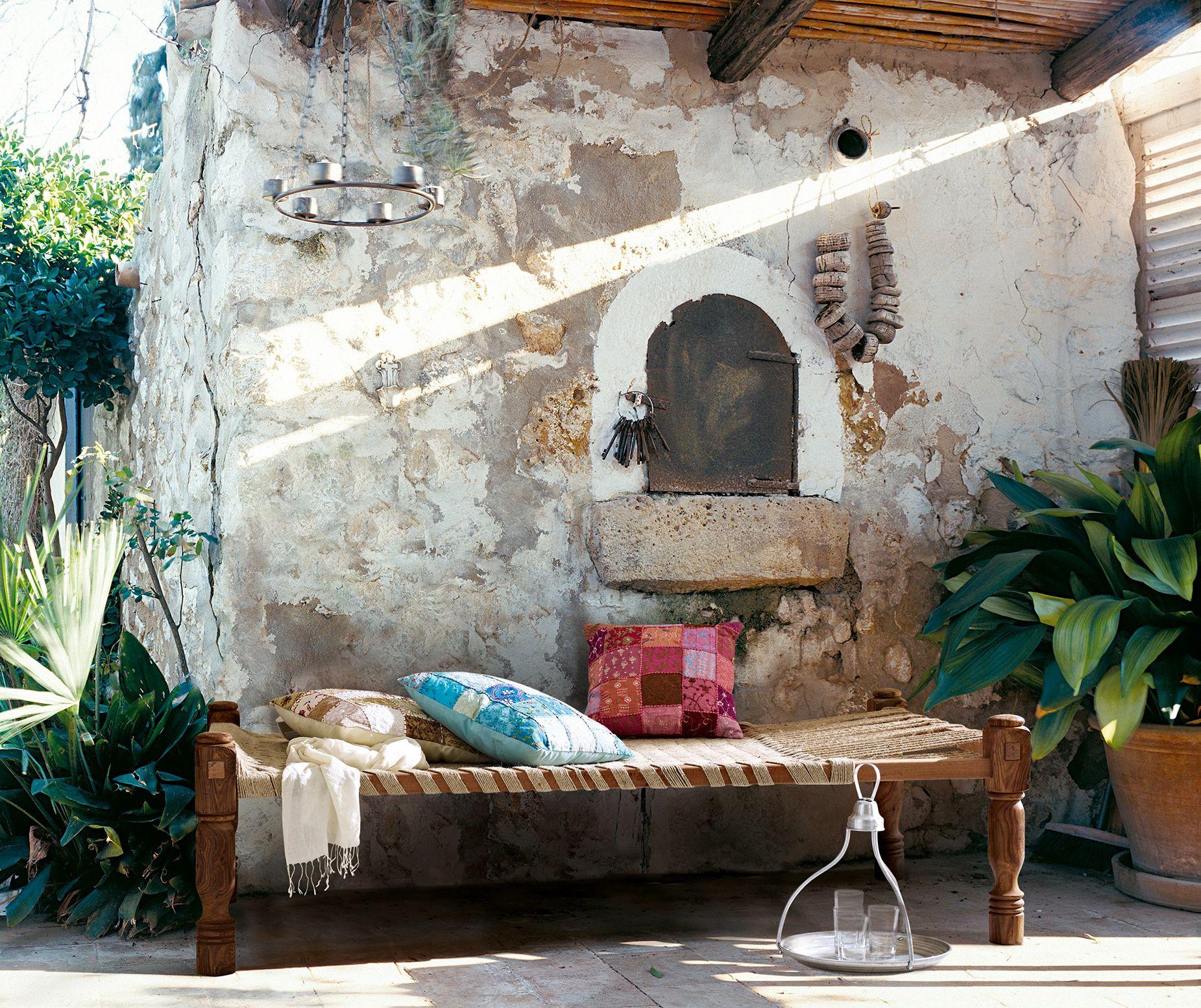 EIN SOMMERHIT Schön und zweckmäßig: echtes Nomadenbett ...