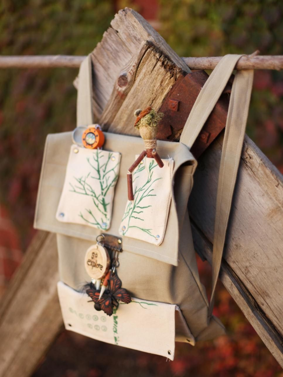 Kids are natural explorers. Outfit their outdoor adventures with a sturdy backpack filled with a handmade nature press, bug jars, sifter and more. Learn how to sew the backpack and make its crafty contents with our step-by-step instructions.