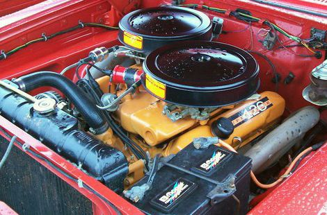 Mopar engine