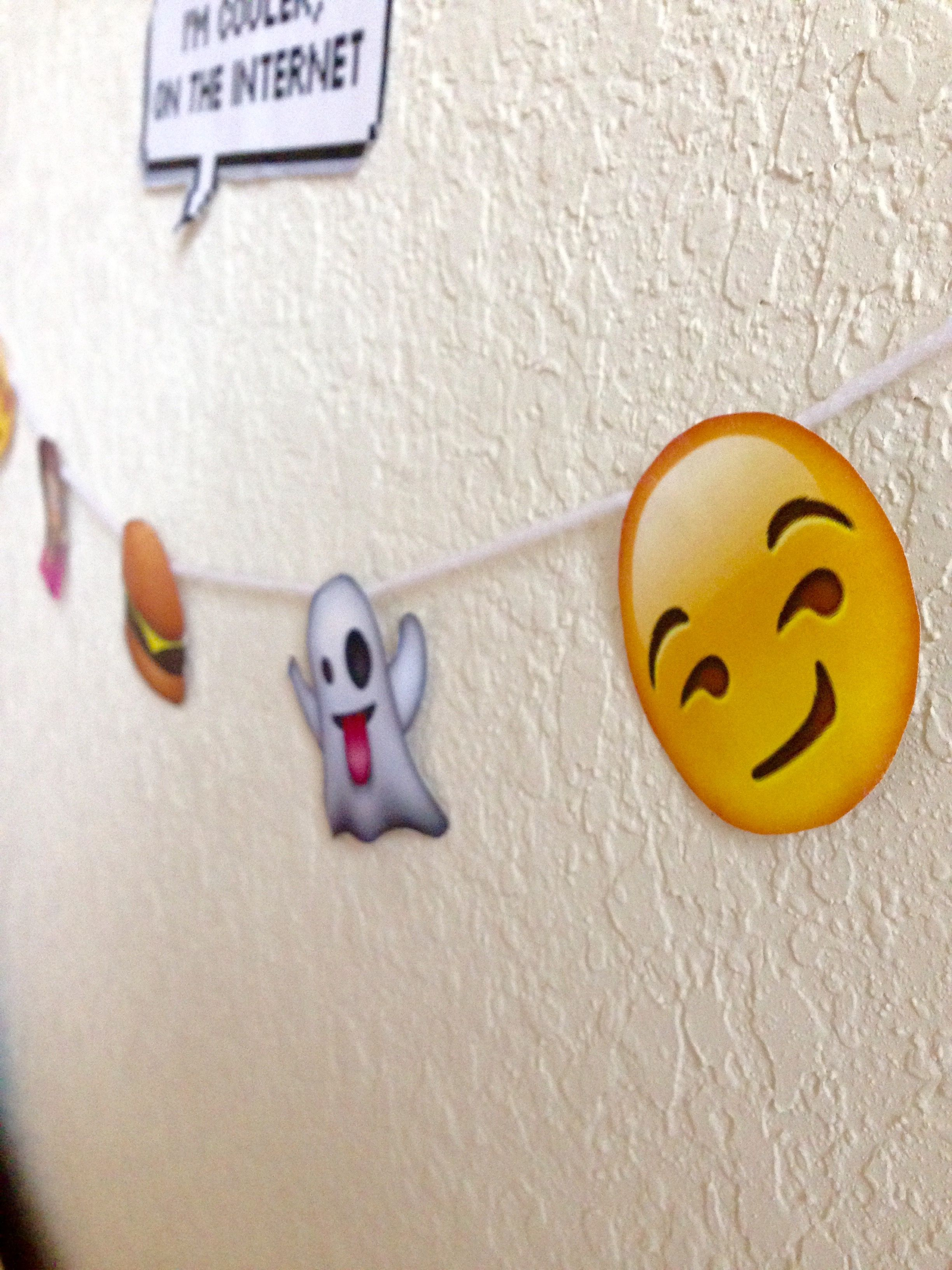 DIY emoji garland  Emoji party decorations, Emoji decorations