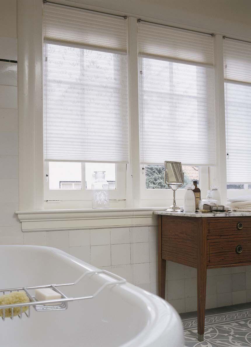 Luxaflex® Duette® Shades zijn geschikt voor vochtige ruimtes zoals ...