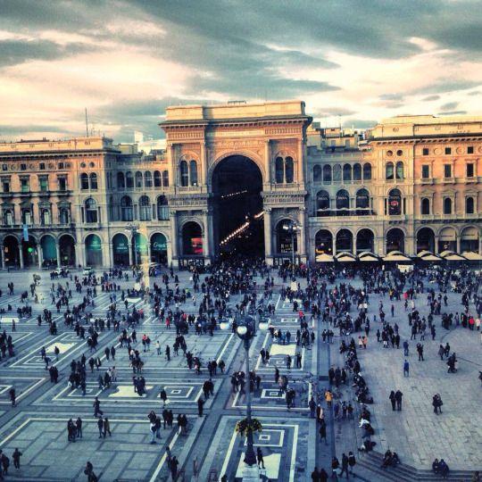 Milano -Piazza Duomo e Galleria Vittorio Emanuele II.