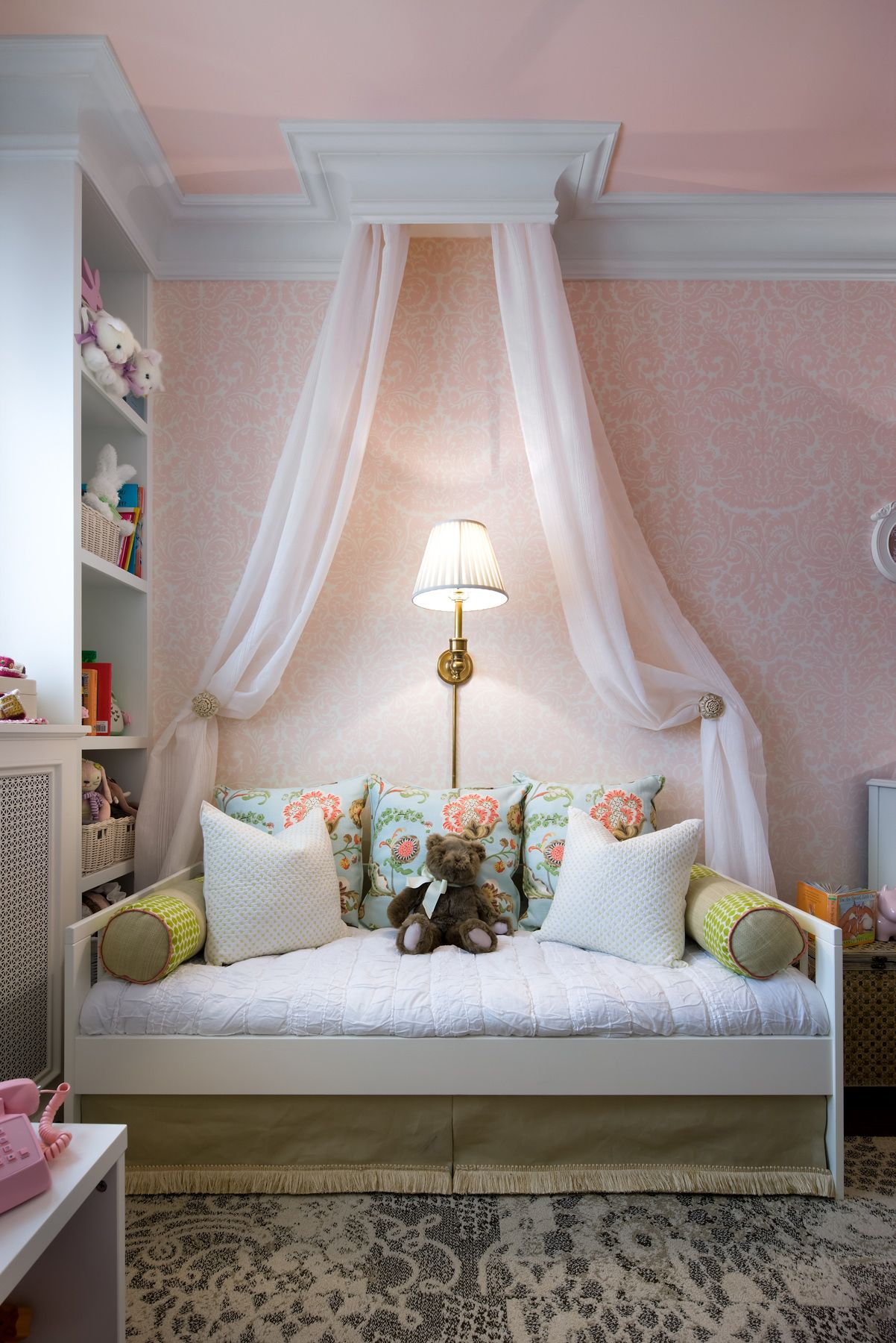 Daybed canopy ideas -  Candicetellsall Watchandpin This Charming Daybed Is The Perfect Addition To A Once Cluttered Little