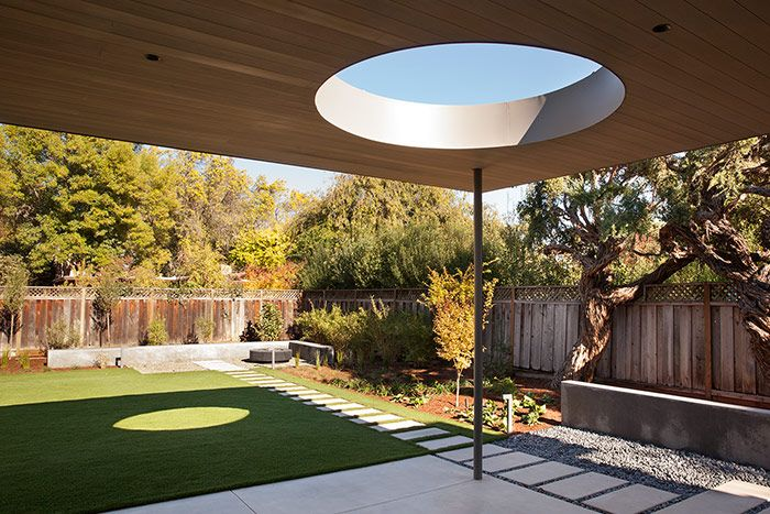Lantern House backyard by Feldman Architecture - modern Palo Alto, California home