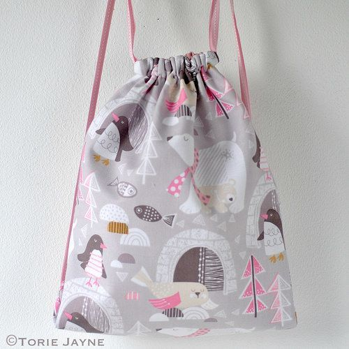 FREE SIY Drawstring BackPack tutorial & pattern from TorieJayne.com ...