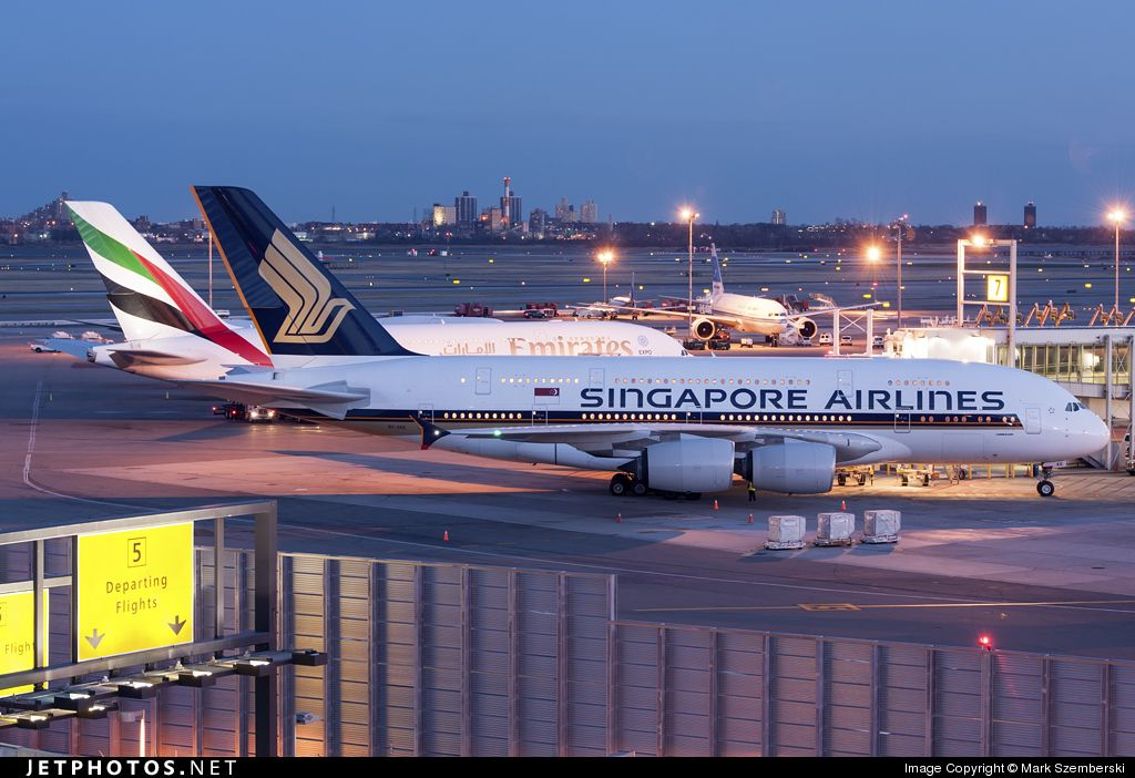 Singapore Airlines And Emirates Airport Locations In Los