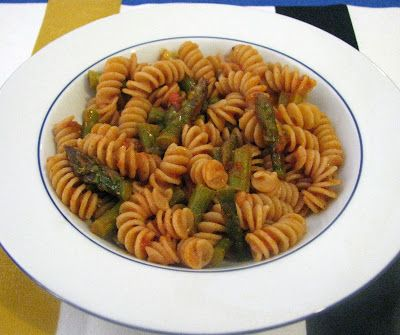 Thermomix Tarif Defterim: Asparagus and Tomato Sauce