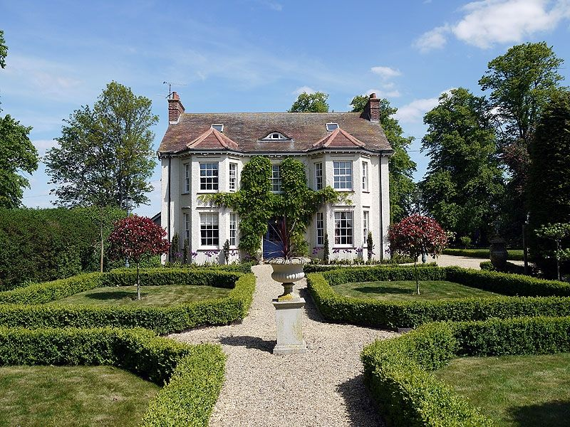 Tyringham a beautiful edwardian manor house near london - Houses with swimming pools in london ...