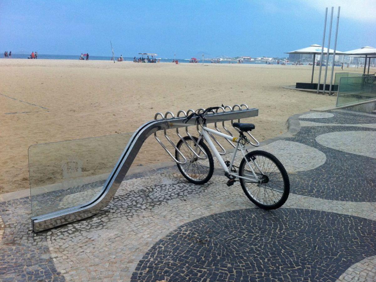 Biciclet rio praia de copacabana guto indio da costa for Fima arredo urbano