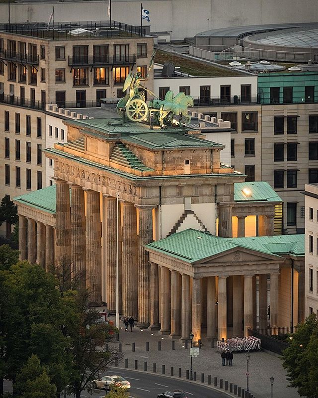 Brandenburger Tor In 2020 Brandenburger Tor Berlin Deutschland