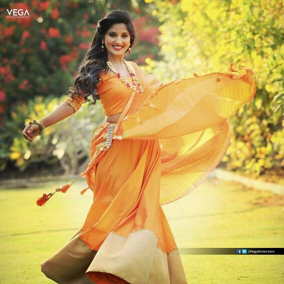 Pin By Bhumika Majety On South Tv Artists Girl Photo Poses Girl Photos Lehenga Gown