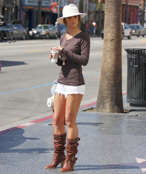 c3661e0f16 shorts | Shorts | Cheryl cole style, Daisy duke shorts, Fashion