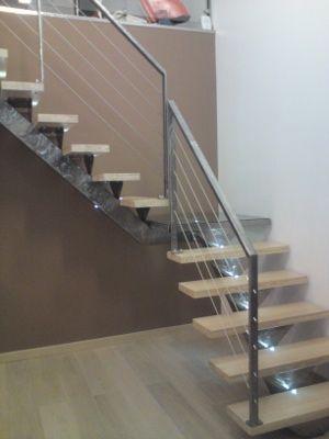 Escalier quart tournant avec palier interm diaire en verre for Escalier avec palier intermediaire
