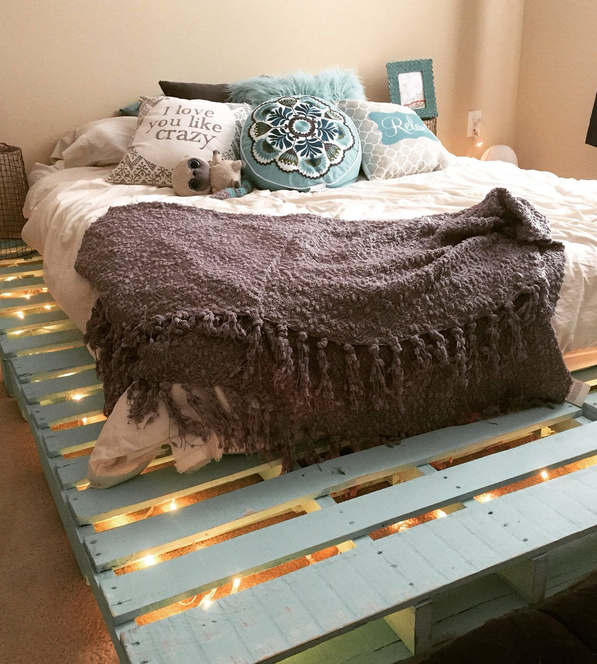 Wood Pallet Bed Frame With Lights Underneath Diy Hgnv Com