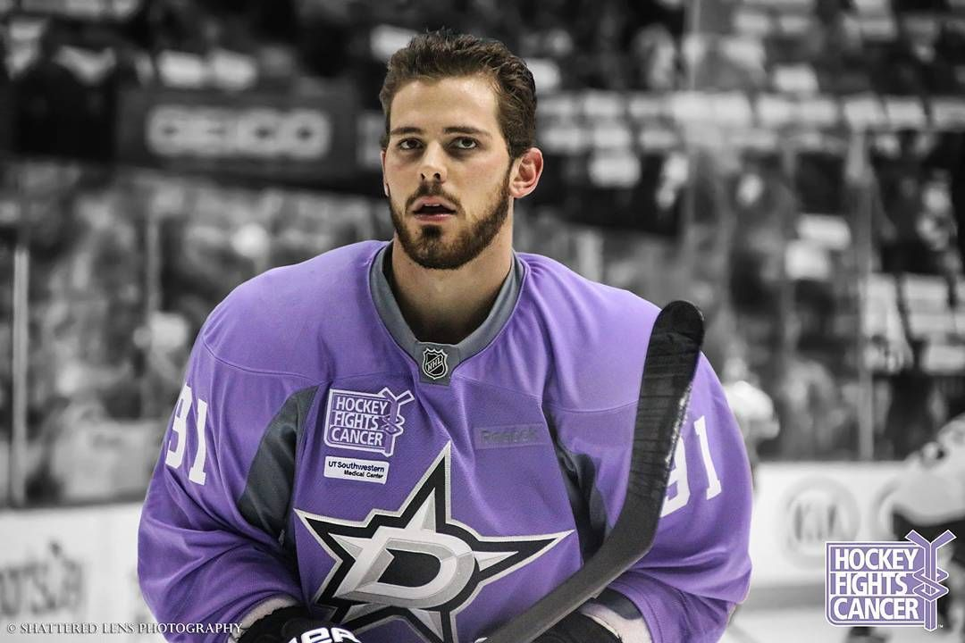 527 Likes 5 Comments Amanda Shatteredlenstx On Instagram Hockeyfightscancer Tylerseguin Dal Tyler Seguin Dallas Stars Hockey Hockey Fights