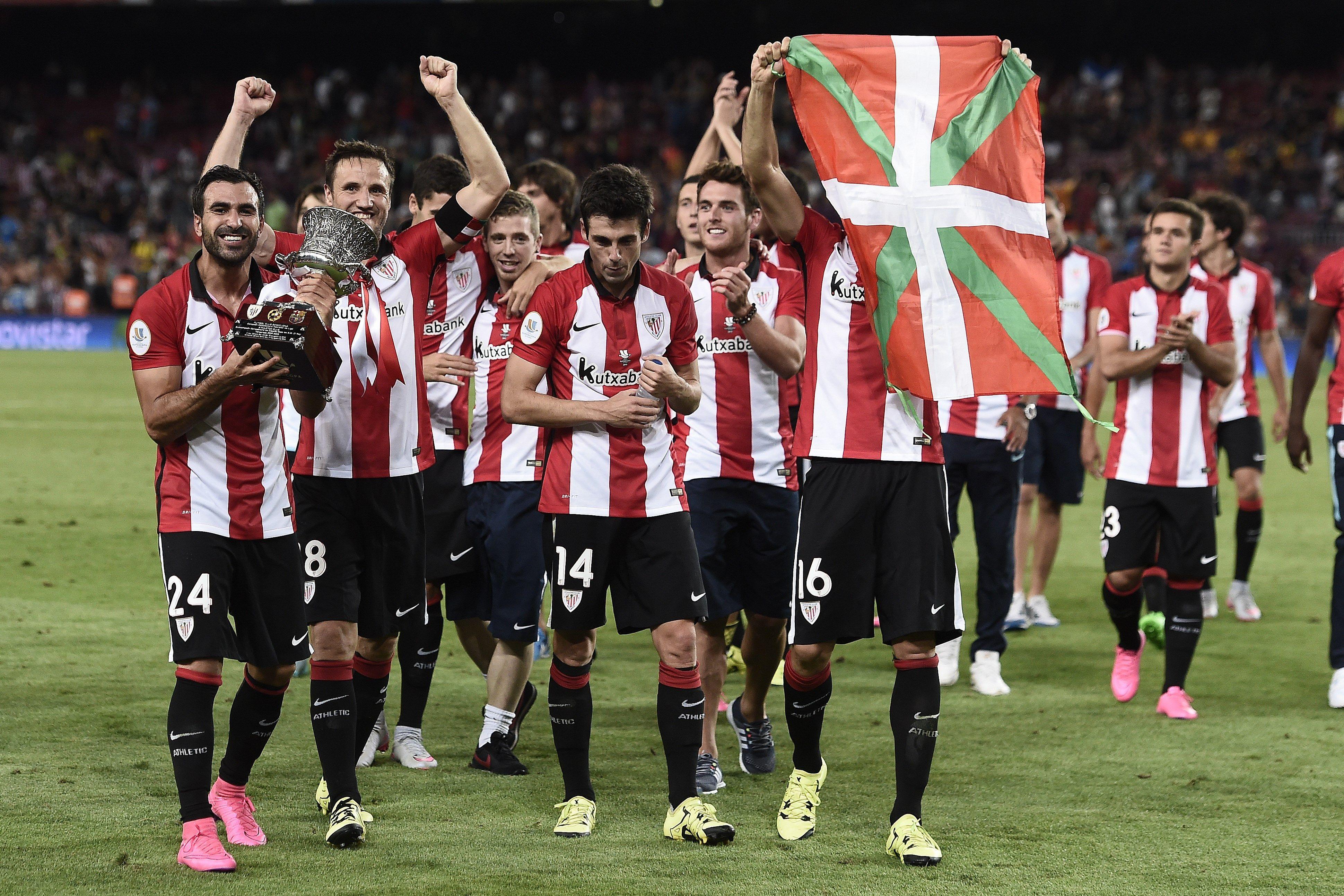 @Athletic Gurpegui levanta un título oficial para el Athletic 31 años después. #9ine