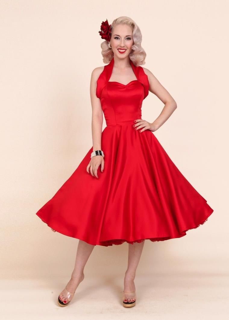 Rode Trouwjurk.De Rode Trouwjurk Chic En Elegant Durf Voor Je Dag J Bruiloft