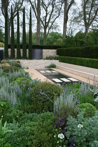 For his fifth year at the RHS Chelsea Fl… - golden pic ...