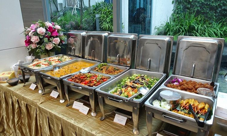6 Outstanding Tips For How To Start A Catering Business Wedding Buffet Food Catering Buffet Bbq Catering