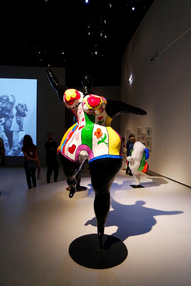 Sculpture Nana Dansante Danseuse By Niki De Saint Phalle Exposiiton