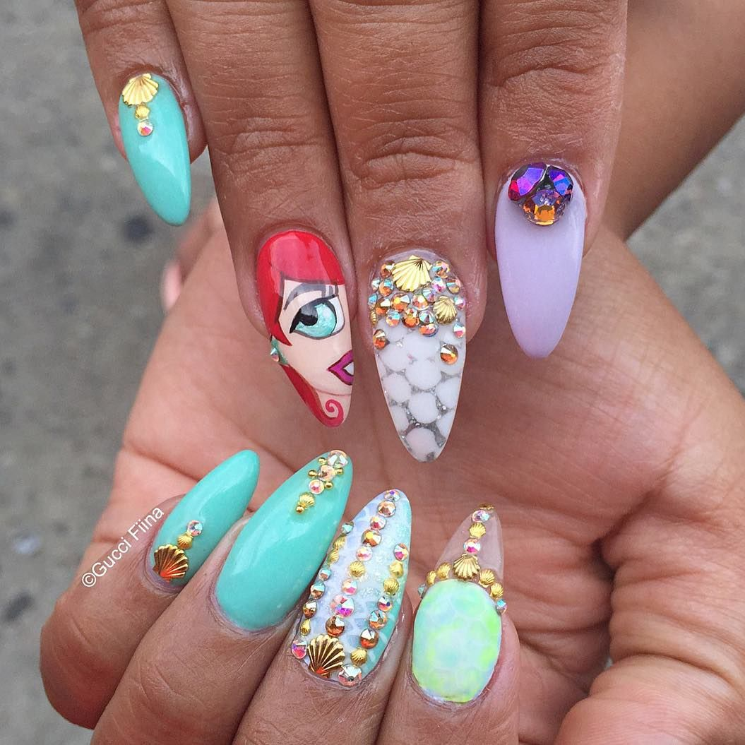 Little Mermaid Inspired Stiletto Nails With Rhinestones | Unhas ...