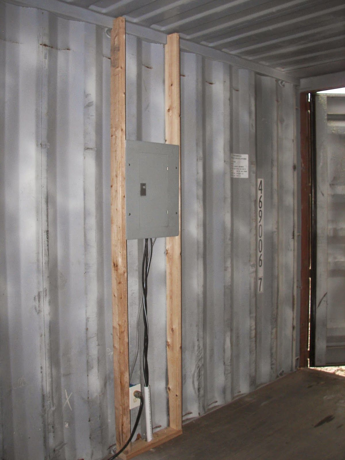 Sea Container Cabin sea, shipping container cabin, shelter, home: framing and