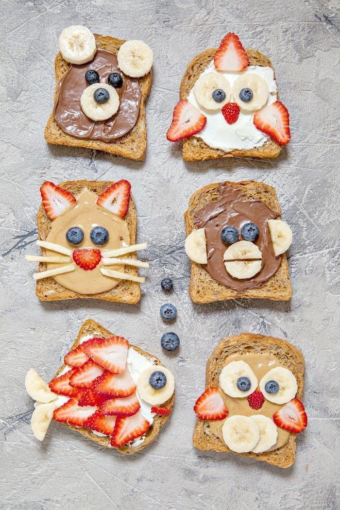 Toast für Kinderparty mit Erdnussbutter, Schokolade und frischem Obst, Toast al ... Toast für Kinderparty mit Erdnussbutter, Schokolade und frischem Obst, Toast al ...,