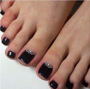 black toe nail art pedicure